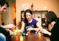 Zahrajte sa na teambuildingu. Spoločenské hry môžu o kolegoch veľa prezradiť.