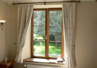 Zo stavieb sa kradnú okná aj dvere.