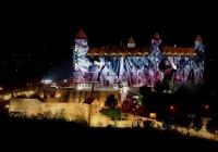 Biela noc v Bratislave vytiahla do ulíc 100 tisíc návštevníkov.