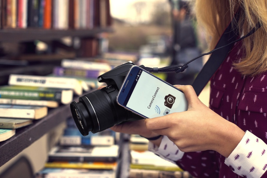 EOS 1300D_Lifestyle_4 NFC_Canon