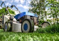 Investujte do kosačky aupravený trávnik bude vizitkou vášho rodinného domu.