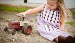 Prázdniny na dedine. Čo všetko deťom hrozí?