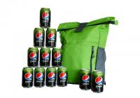 Nepremokavé batohy a zásoba Pepsi Limetky