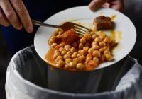 Neplytvajte vlete jedlom – 3 tipy AKO NA TO