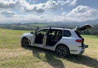 BMW X7 x30d hodí na požiadanie zadkom
