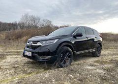 Honda CR-V e:HEV Sport Line brázdi cesty ako diaľničný expres