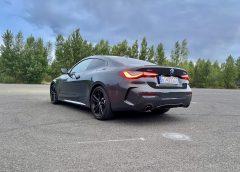 BMW 430d xDrive Coupé sM Sport packetom je dravcom ciest