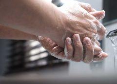 Bojovať proti infekciám sa dá častým umývaním rúk